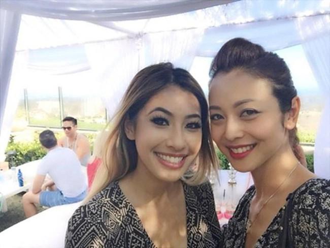 Chị đã xinh đẹp rạng ngời, em gái Hoa hậu Jennifer Phạm cũng có nhan sắc cực phẩm chẳng kém cạnh - Ảnh 2.