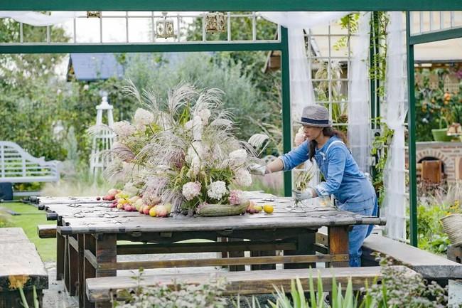 Khu vườn rộng 3000m² đẹp như cổ tích của vợ chồng 40 tuổi quyết định nghỉ hưu sớm về quê tận hưởng cuộc sống - Ảnh 9.