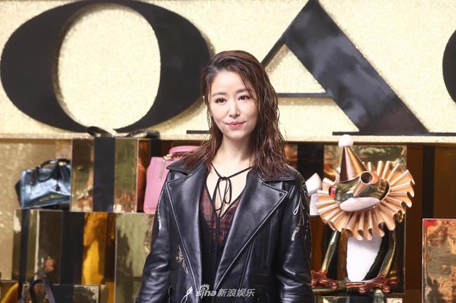 Sau khi bị chê quá già, Lâm Tâm Như xuất hiện với nhan sắc trẻ trung xinh đẹp - Ảnh 4.