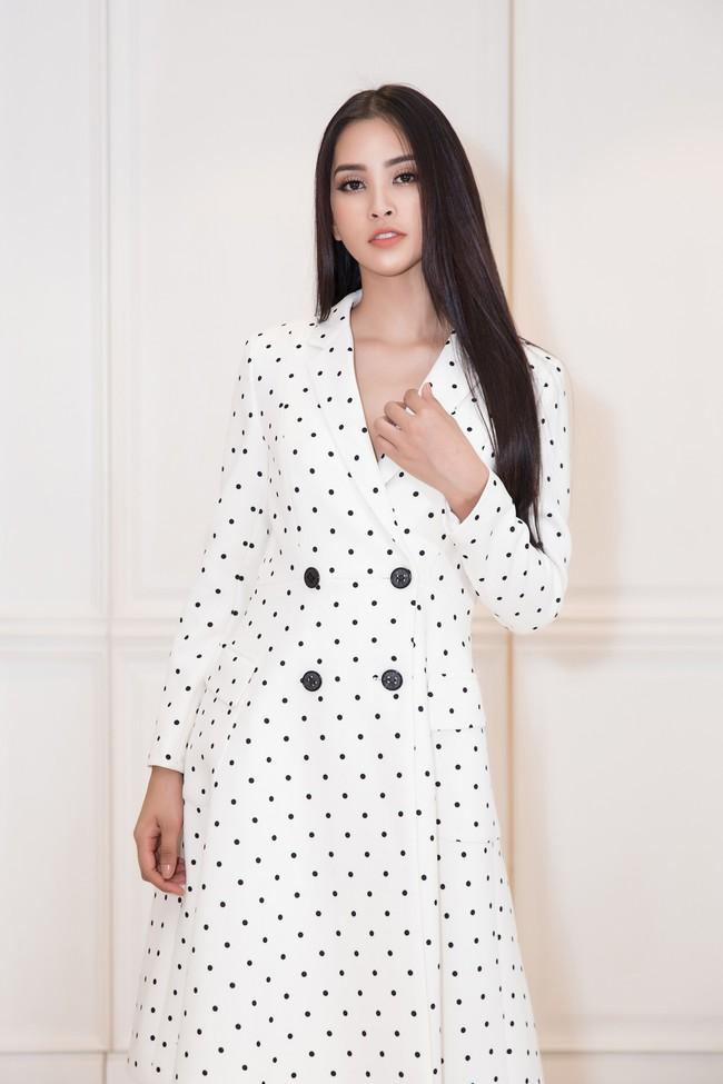 Choáng ngợp với số lượng quần áo mà Hoa hậu Tiểu Vy mang đi Miss World: Dường như cả làng mốt Việt đang vào cuộc! - Ảnh 12.