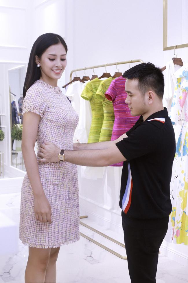 Choáng ngợp với số lượng quần áo mà Hoa hậu Tiểu Vy mang đi Miss World: Dường như cả làng mốt Việt đang vào cuộc! - Ảnh 8.