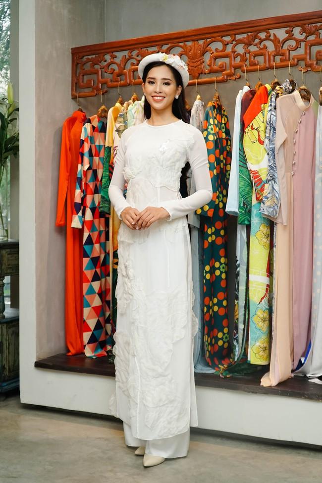 Choáng ngợp với số lượng quần áo mà Hoa hậu Tiểu Vy mang đi Miss World: Dường như cả làng mốt Việt đang vào cuộc! - Ảnh 15.