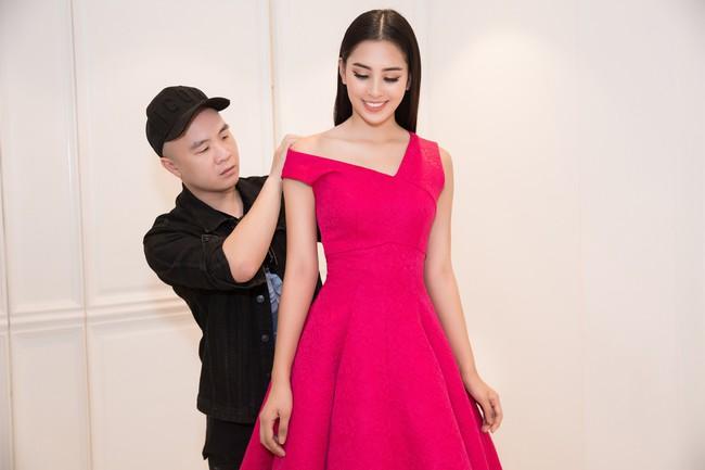 Choáng ngợp với số lượng quần áo mà Hoa hậu Tiểu Vy mang đi Miss World: Dường như cả làng mốt Việt đang vào cuộc! - Ảnh 17.