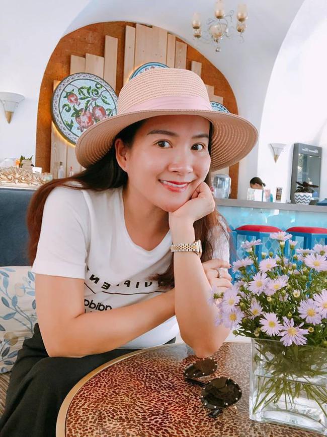 Cứ mãi trẻ xinh, biết cách refresh mình như thế này, bảo sao bà xã Bình Minh khiến chồng luôn say đắm - Ảnh 5.