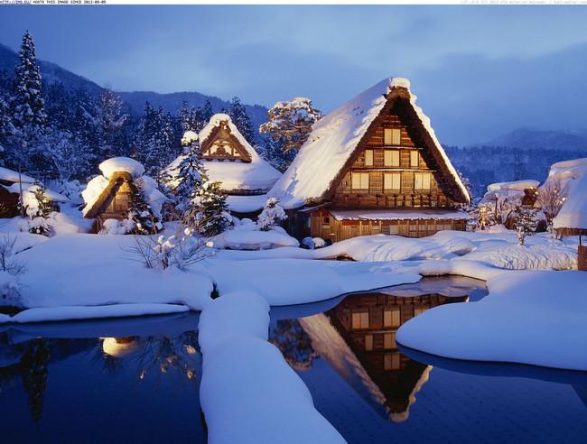 Ngắm những ngôi nhà đẹp như cổ tích lung linh trong mùa Giáng sinh - Ảnh 20.
