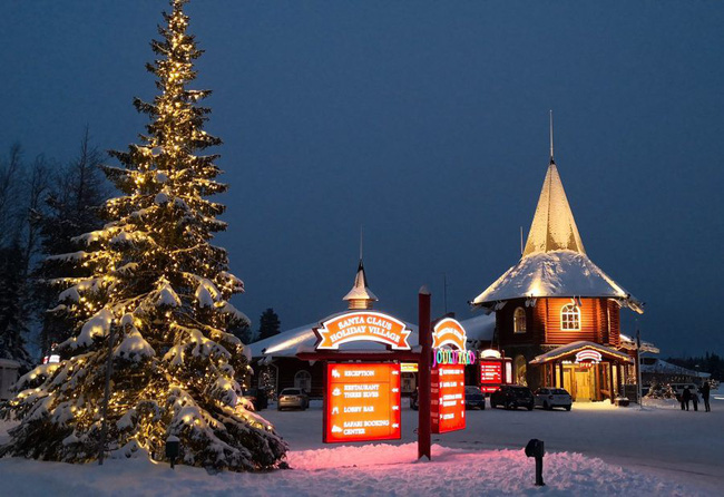 Ngắm những ngôi nhà đẹp như cổ tích lung linh trong mùa Giáng sinh - Ảnh 5.