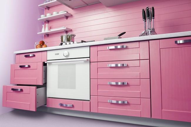 Thử thách với cách trang trí nhà bếp màu hồng, vẻ đẹp ngọt ngào và cá tính cho mùa đông không lạnh - Ảnh 1.