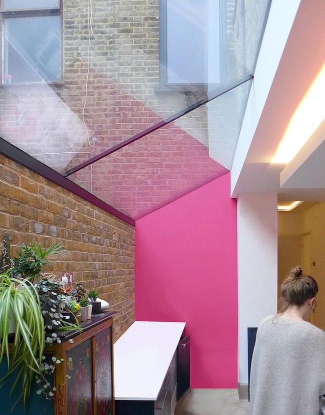 Thử thách với cách trang trí nhà bếp màu hồng, vẻ đẹp ngọt ngào và cá tính cho mùa đông không lạnh - Ảnh 11.