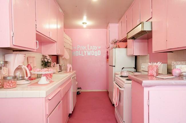 Thử thách với cách trang trí nhà bếp màu hồng, vẻ đẹp ngọt ngào và cá tính cho mùa đông không lạnh - Ảnh 3.