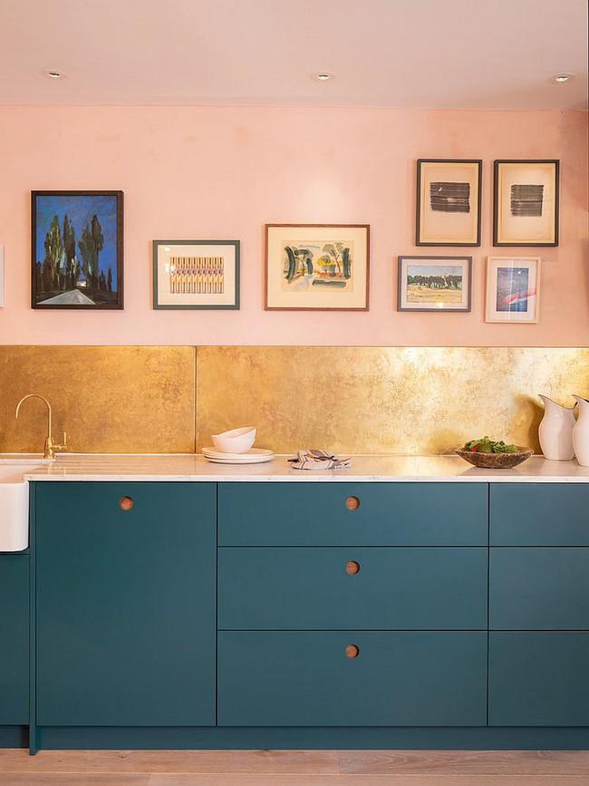 Thử thách với cách trang trí nhà bếp màu hồng, vẻ đẹp ngọt ngào và cá tính cho mùa đông không lạnh - Ảnh 4.