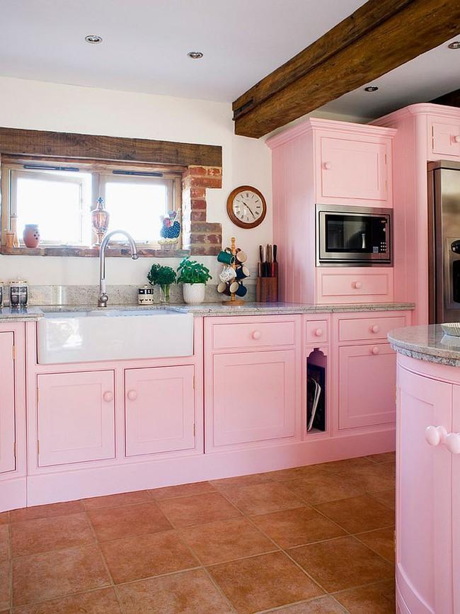 Thử thách với cách trang trí nhà bếp màu hồng, vẻ đẹp ngọt ngào và cá tính cho mùa đông không lạnh - Ảnh 9.