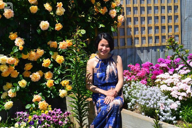 Khu vườn trăm hoa đua nở rực rỡ như chốn thiên đường của người phụ nữ Việt ở Úc - Ảnh 2.