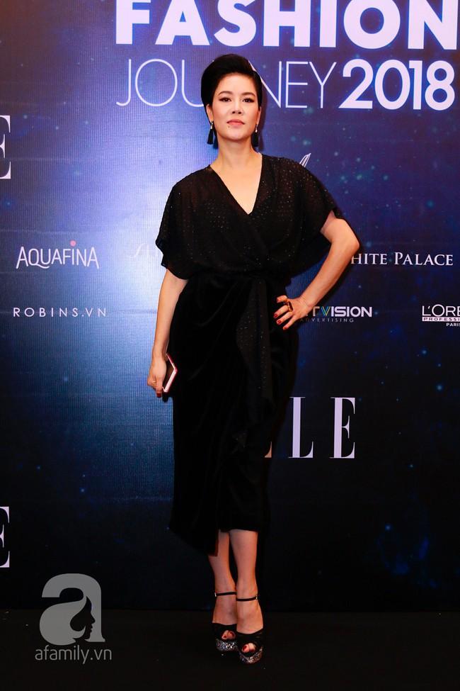 Phạm Quỳnh Anh diện váy đen đầy quyến rũ, Mỹ Tâm nam tính góc cạnh với tóc nâu môi trầm trên thảm đỏ Elle - Ảnh 10.