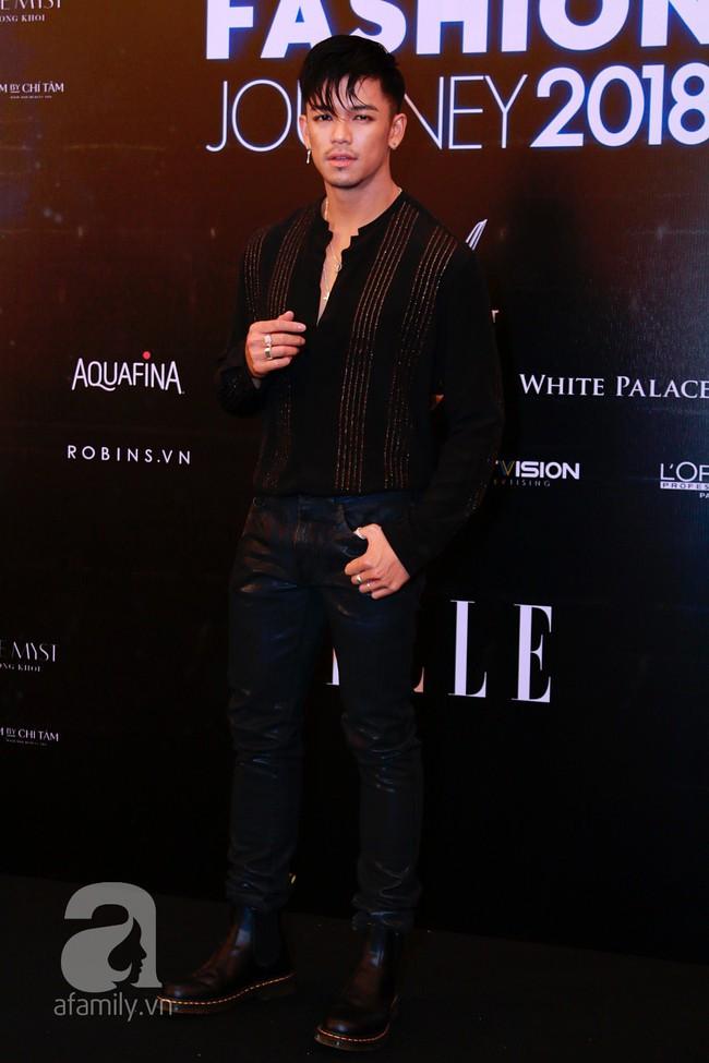 Phạm Quỳnh Anh diện váy đen đầy quyến rũ, Mỹ Tâm nam tính góc cạnh với tóc nâu môi trầm trên thảm đỏ Elle - Ảnh 19.