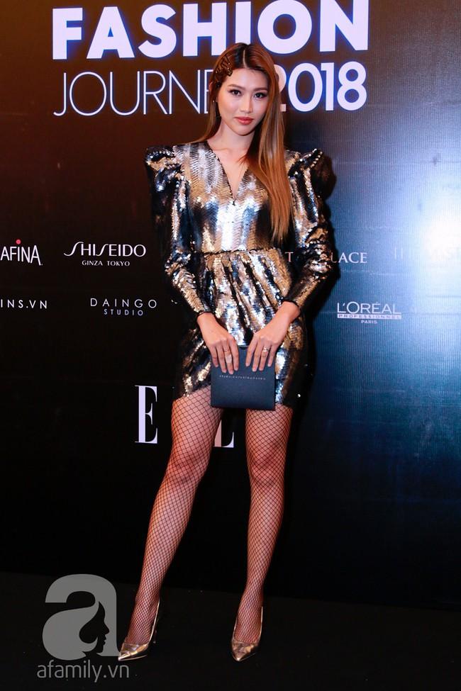 Phạm Quỳnh Anh diện váy đen đầy quyến rũ, Mỹ Tâm nam tính góc cạnh với tóc nâu môi trầm trên thảm đỏ Elle - Ảnh 7.