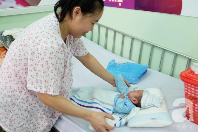 123 ngày sống sót thần kỳ của bé sơ sinh chỉ nặng 700 gram do mẹ bị nhiễm trùng ối  - Ảnh 4.