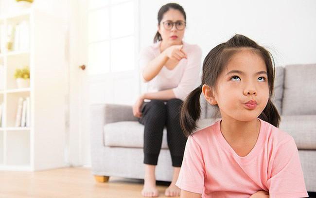 Bố mẹ càng cấm đoán con thì càng phản tác dụng và đây là lý do - Ảnh 2.