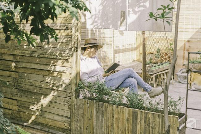 Chàng trai 8X đam mê nhiếp ảnh biến mảnh đất hoang thành khu vườn đậm màu Vintage rộng 20m² ở Hà Nội - Ảnh 1.