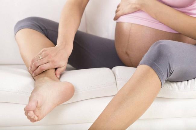 6 triệu chứng khó chịu nhất trong tam cá nguyệt thứ 3 và lời khuyên của chuyên gia dành cho mẹ bầu  - Ảnh 4.