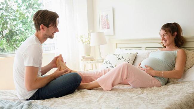 6 triệu chứng khó chịu nhất trong tam cá nguyệt thứ 3 và lời khuyên của chuyên gia dành cho mẹ bầu  - Ảnh 6.