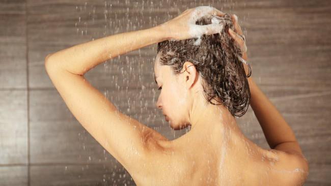 Bao lâu mới nên tắm một lần? Tiết lộ của các chuyên gia da liễu sẽ khiến bạn bất ngờ - Ảnh 3.