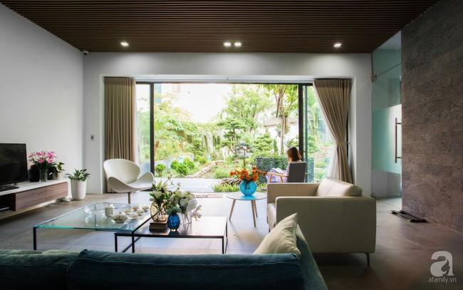 Nhà vườn đầy bóng nắng và cây xanh rộng 700m², được cải tạo lại từ 6 căn nhà liền kề của đôi vợ chồng trẻ giữa trung tâm xứ Thanh - Ảnh 7.