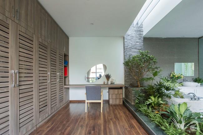 Nhà vườn đầy bóng nắng và cây xanh rộng 700m², được cải tạo lại từ 6 căn nhà liền kề của đôi vợ chồng trẻ giữa trung tâm xứ Thanh - Ảnh 10.