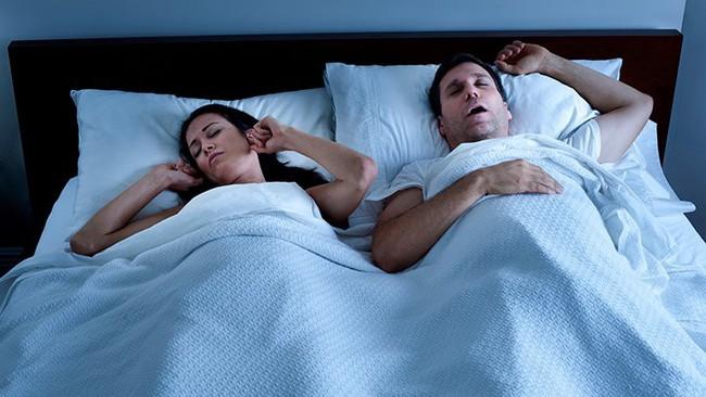 Đừng chủ quan: Ngáy ngủ có hại như thế này, phụ nữ ngáy ngủ càng gặp nguy hiểm hơn - Ảnh 1.