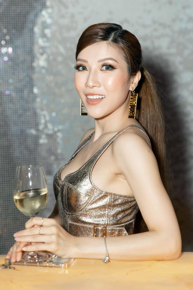 Tóc Tiên đẹp lạ lùng với tóc bạch kim, Trang Pháp ngày càng trẻ đẹp sau khi chia tay  - Ảnh 7.