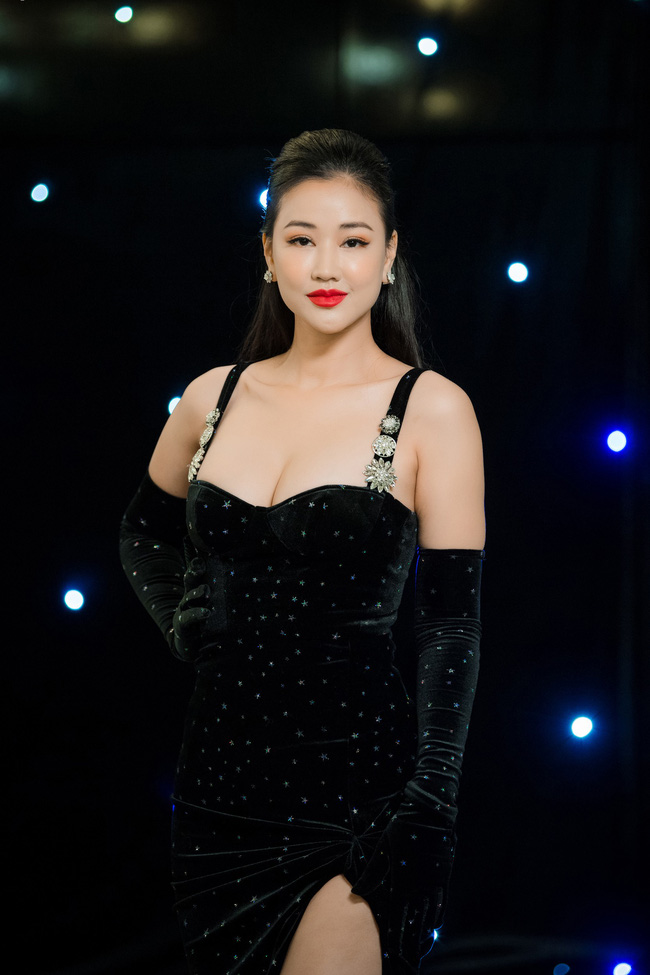 Maya diện váy lộ ngực khủng, khoe chiều cao vượt trội giữa dàn mỹ nhân toàn Hoa hậu - Ảnh 3.