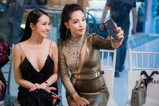 Maya diện váy lộ ngực khủng, khoe chiều cao vượt trội giữa dàn mỹ nhân toàn Hoa hậu - Ảnh 7.
