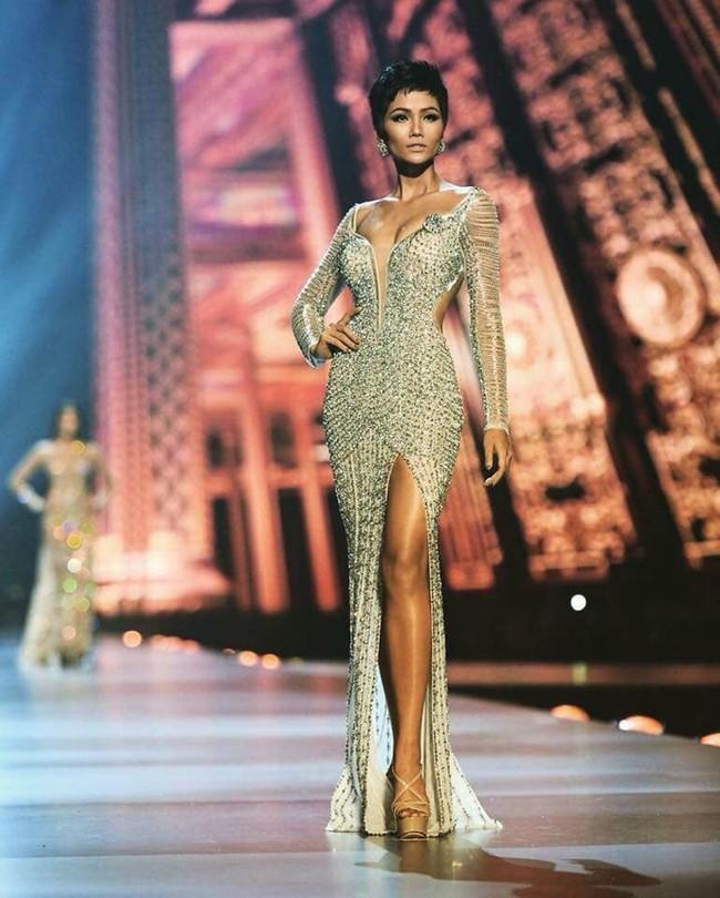 Cô gái Ê Đê nghèo từng lên thành phố làm osin đã ngoạn mục lọt Top 5 Miss Universe 2018 như thế nào? - Ảnh 1.