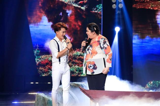 """Tuyền Mập quên lời bài hát ngay trên sân khấu, công nhận bản thân """"dốt âm nhạc"""" - Ảnh 1."""