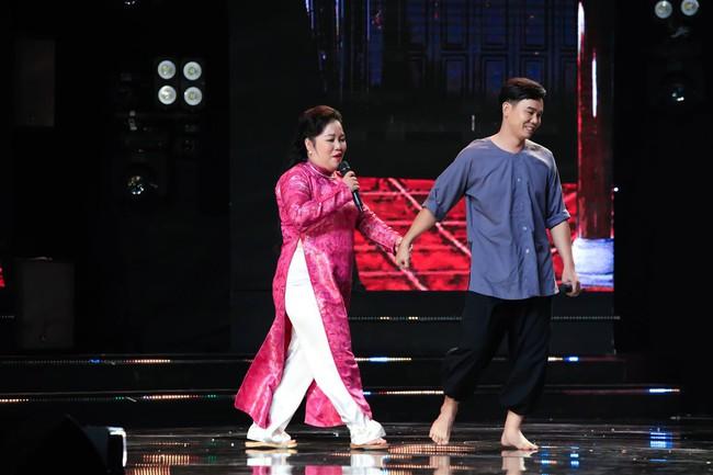 """Tuyền Mập quên lời bài hát ngay trên sân khấu, công nhận bản thân """"dốt âm nhạc"""" - Ảnh 5."""