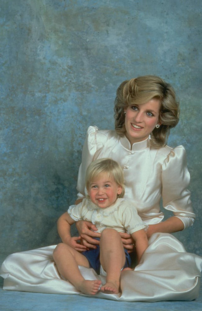 Những bức ảnh để đời của Công nương Diana bên 2 con chứng tỏ bà vẫn là bà mẹ quốc dân được ái mộ nhất - Ảnh 5.