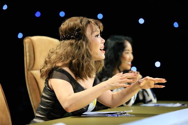 Cô bé 9 tuổi xinh như Hoa hậu có khiếu diễn kịch khiến Việt Hương cũng phải khâm phục - Ảnh 4.