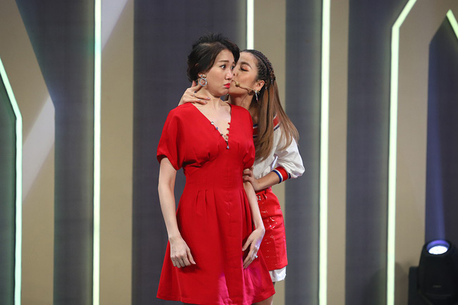 Hari Won sốc khi liên tục bị Puka cưỡng hôn trên sóng truyền hình  - Ảnh 11.