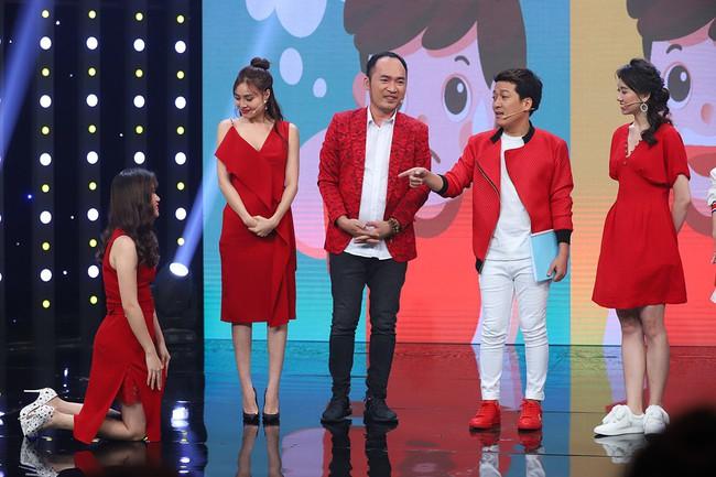 Hari Won sốc khi liên tục bị Puka cưỡng hôn trên sóng truyền hình  - Ảnh 5.