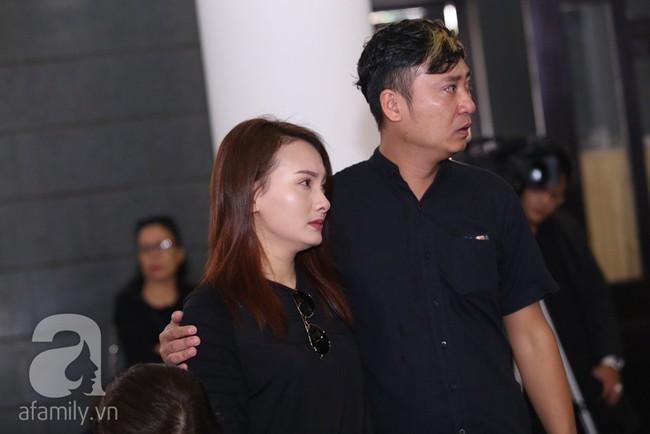 Thu Quỳnh, Bảo Thanh, Lan Hương, Kim Oanh, Lê Khanh nhạt nhòa nước mắt trong lễ tang NSND Anh Tú - Ảnh 8.