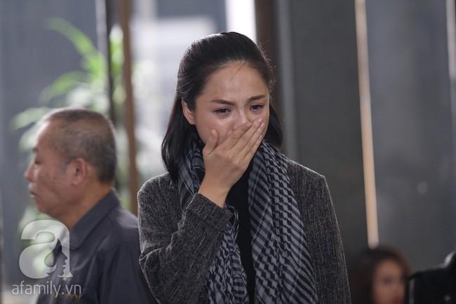 Thu Quỳnh, Bảo Thanh, Lan Hương, Kim Oanh, Lê Khanh nhạt nhòa nước mắt trong lễ tang NSND Anh Tú - Ảnh 10.