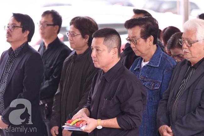 Chí Trung, Công Lý, Thanh Hương, Minh Vượng đến tiễn đưa NSND Anh Tú, nhưng gây xúc động hơn cả là ánh mắt thất thần - Ảnh 2.