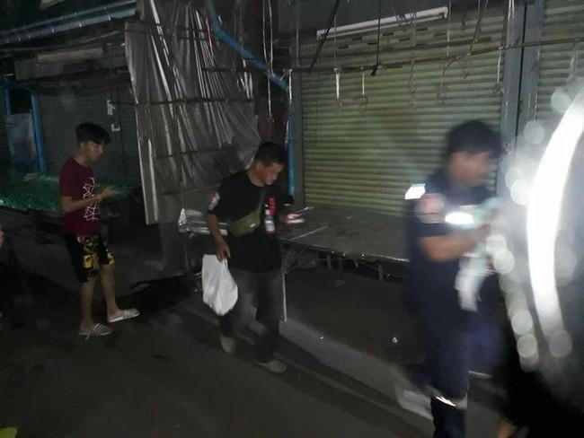 Bé trai 2 tuần tuổi bị bỏ lại giữa chợ trong đêm khuya vắng, cảnh sát điều tra ngỡ ngàng khi biết nguyên nhân - Ảnh 4.
