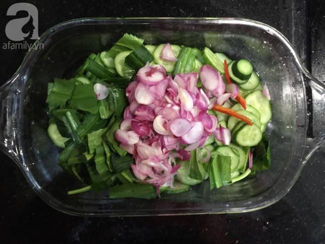 Bụng phẳng eo thon, làm đẹp đón Tết với 3 món salad ngon thần thánh - Ảnh 1.