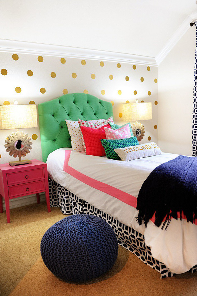 Khám phá 11 thiết kế phòng ngủ vừa đẹp lại nhẹ nhàng, trẻ trung dành cho các cô nàng mộng mơ - Ảnh 1.