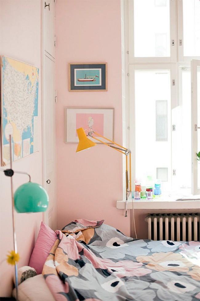 Khám phá 11 thiết kế phòng ngủ vừa đẹp lại nhẹ nhàng, trẻ trung dành cho các cô nàng mộng mơ - Ảnh 9.