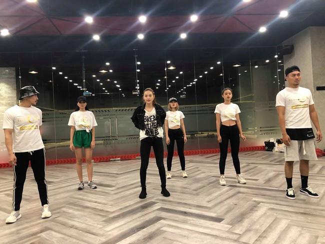 Chi Pu sẽ hát trong Chung kết The Face cùng học trò Võ Hoàng Yến - Thanh Hằng - Minh Hằng  - Ảnh 6.