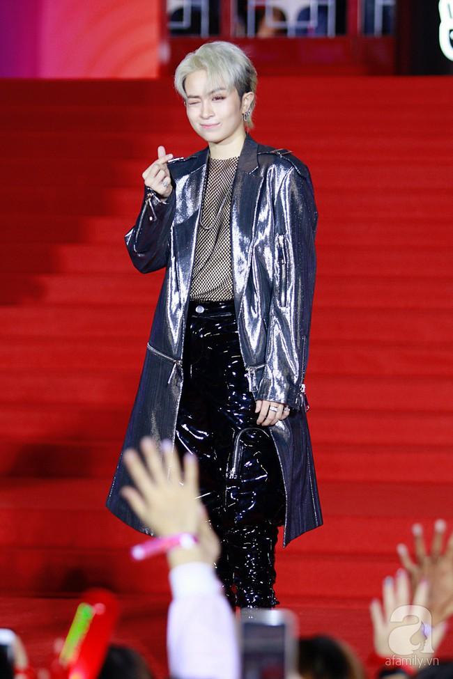 Midu đẹp tựa nữ thần, Soobin Hoàng Sơn tình tứ khoát tay Ji Yeon (T-ara) trên thảm đỏ - Ảnh 8.