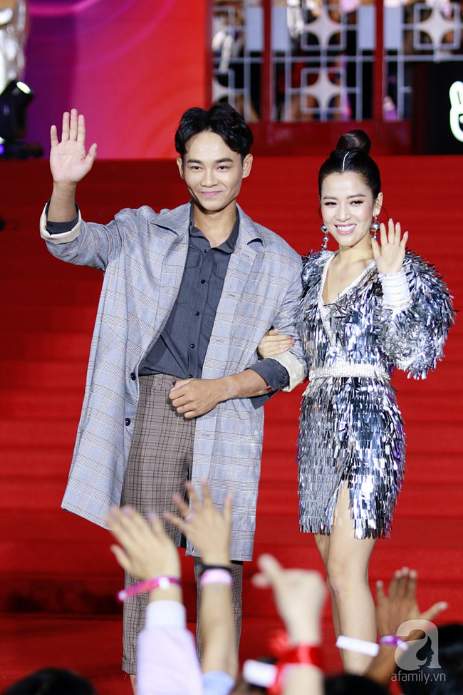 Midu đẹp tựa nữ thần, Soobin Hoàng Sơn tình tứ khoát tay Ji Yeon (T-ara) trên thảm đỏ - Ảnh 19.
