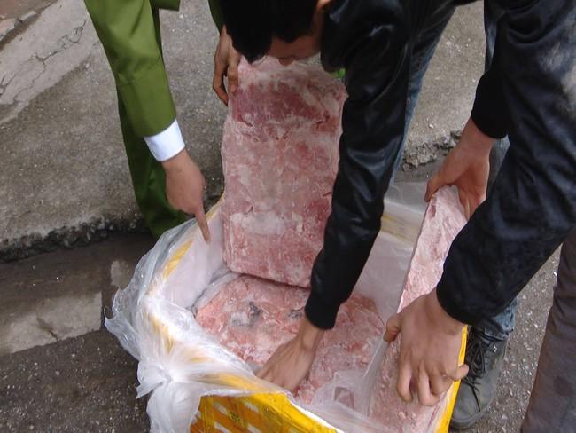 Kinh hoàng phát hiện hàng tấn nầm lợn mốc xanh đen tuồn vào Hà Nội tiêu thụ - Ảnh 3.