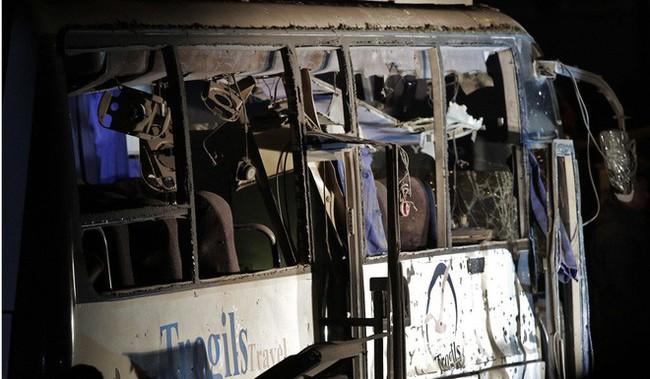 Xe chở đoàn du khách Việt Nam bị đánh bom ở Ai Cập: Ít nhất 14 người thương vong - Ảnh 2.